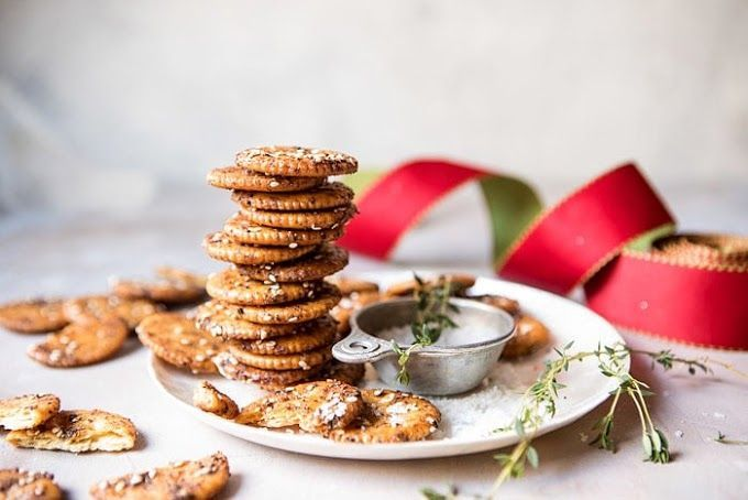 Addicting Baked Seasoned Ritz Crackers #desserts #…