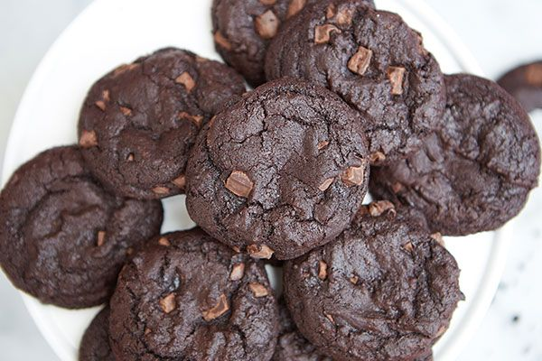 Sweet and spicy Mexican hot chocolate cookies!