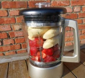 Zelf lekkere en gezonde ijsjes maken van Fruit en Bevroren Banaan - zonder melk, room of suiker - EcoBioLiving ~ gezonder genieten