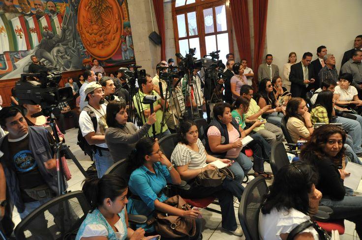 Ante reporteros y medios de comunicación, el gobernador Javier Duarte de Ochoa dio conferencia de prensa, donde hablo sobre el abastecimiento de agua potable.