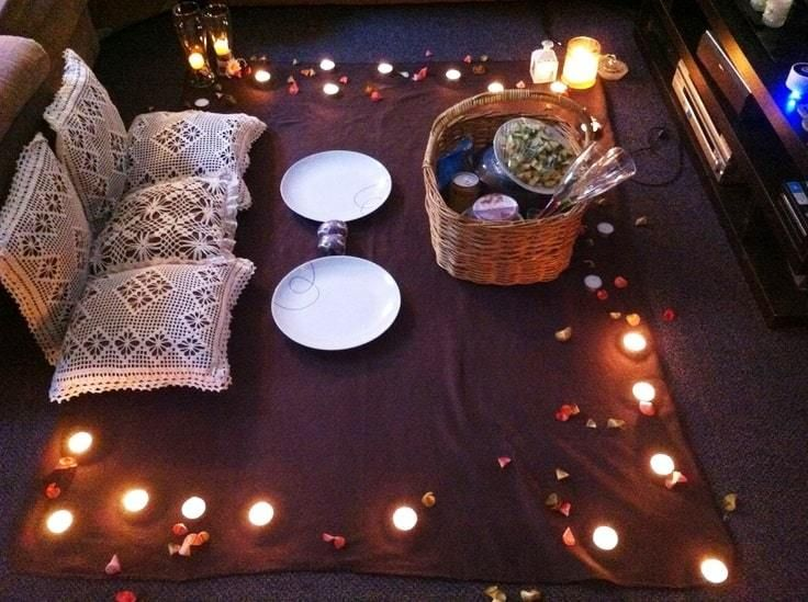 32 Ideas Románticas Para Sorprender A Tu Pareja Y Mantener La Chispa Noches Romanticas En Casa Decoracion Cena Romantica Ideas Noche Romantica