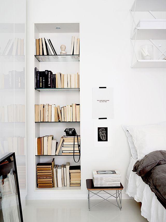 Perfekt eingebautes Bücherregal