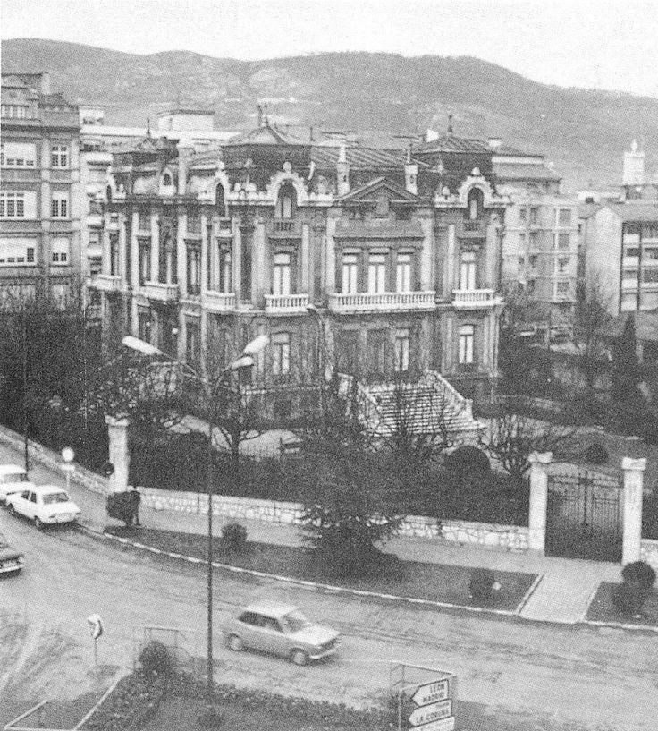 https://flic.kr/p/6rdJJL   Plaza San Miguel. Oviedo   See where this picture was taken. [?]  Proyectado por Emilio F. Peña en 1909, derribado en los años 70
