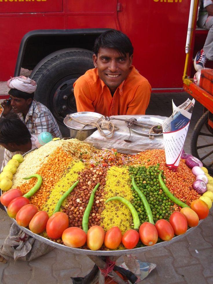 A bhelpuri vendor at Pushkar camel fair, Rajasthan