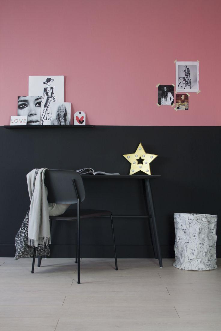 fairf photoshoot in de studio, de duurzame muurverf kleuren Emma (roze) en Joeri (zwart) sieren deze meisjes- kinder kamer. #kleur #interieur #design  #kinderkamer #duurzaam #fairf #verven #kinderkamerinspiratie #biologisch #woonkameridee #trendkleuren #interieurtrends #design