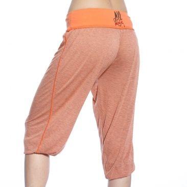Joli pantacourt fluide orange en viscose, ultra léger et hyper confortable.   Coupe décontractée féminine - lâche et ample pour un confort et une grande liberté de mouvement  Large ceinture élastique à la taille pour un parfait maintien.   100% viscose.