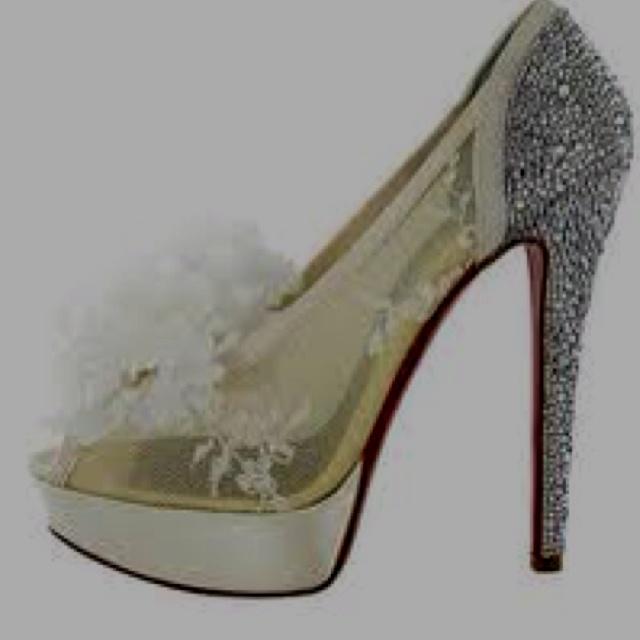 dream shoes..Christian louboutins :))  <33