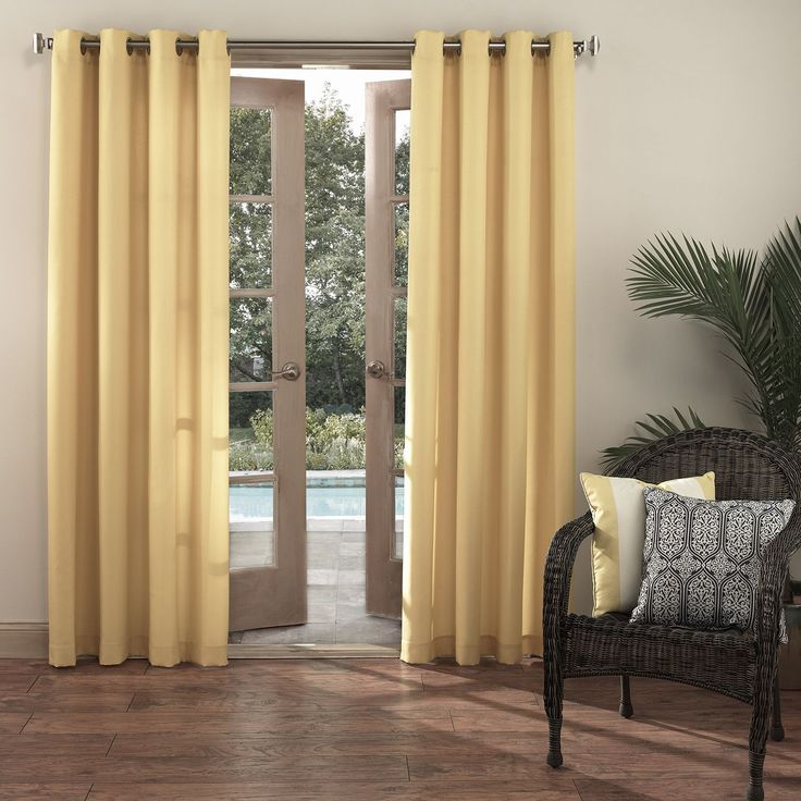 Sun Zero Reed UV Blocking Indoor/Outdoor Woven Single