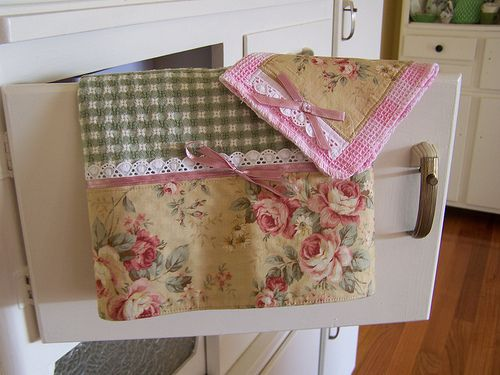 Shabby Chic Roses   Decorative Kitchen Towel Set. Bows And Lace Trim.