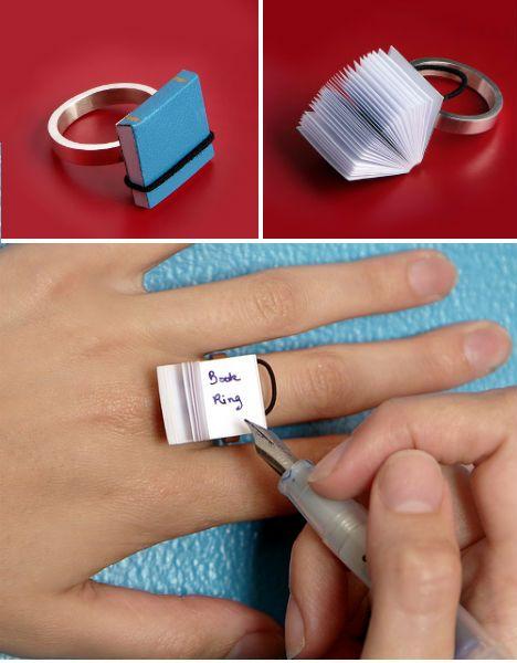 """Mini libro en blanco en el anillo, ¿Una opción a las """"chuletas""""?"""