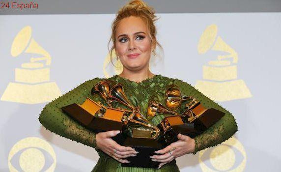 Adele confirma su matrimonio con Simon Konecki
