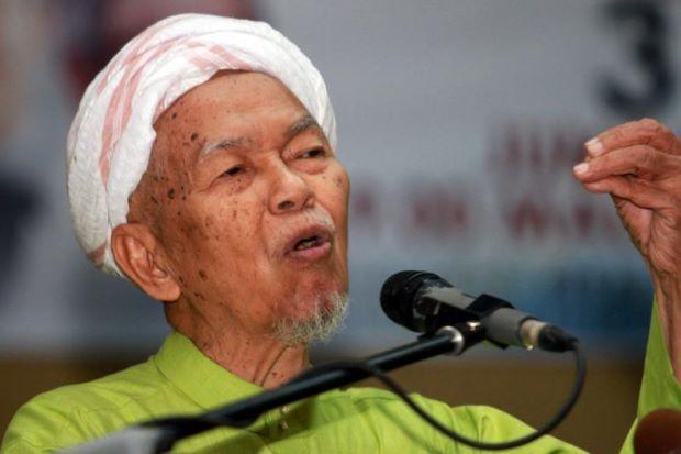 Mursyidul Am PAS Nik Aziz Nik Mat masuk ICU  Mursyidul Am PAS, Datuk Nik Abdul Aziz Nik Mat dimasukkan ke Unit Rawatan Rapi (ICU) di Hospital Universiti Sains Malaysia (HUSM),...