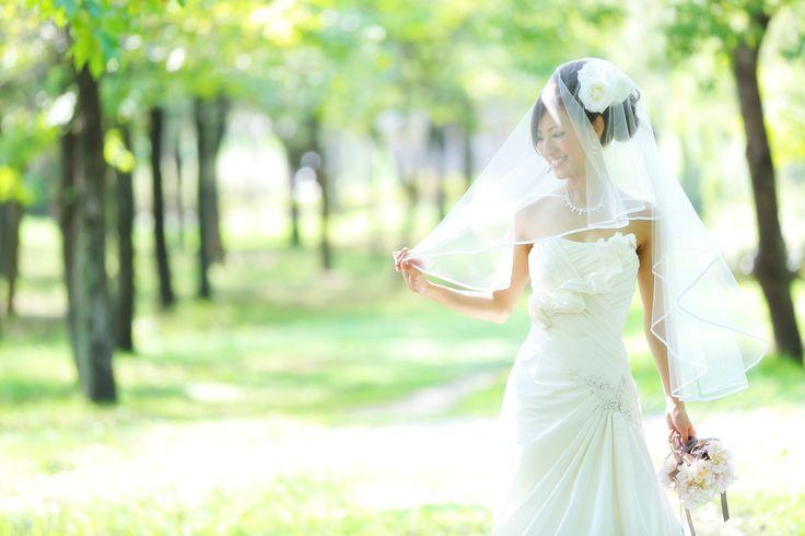 木漏れ日と花嫁