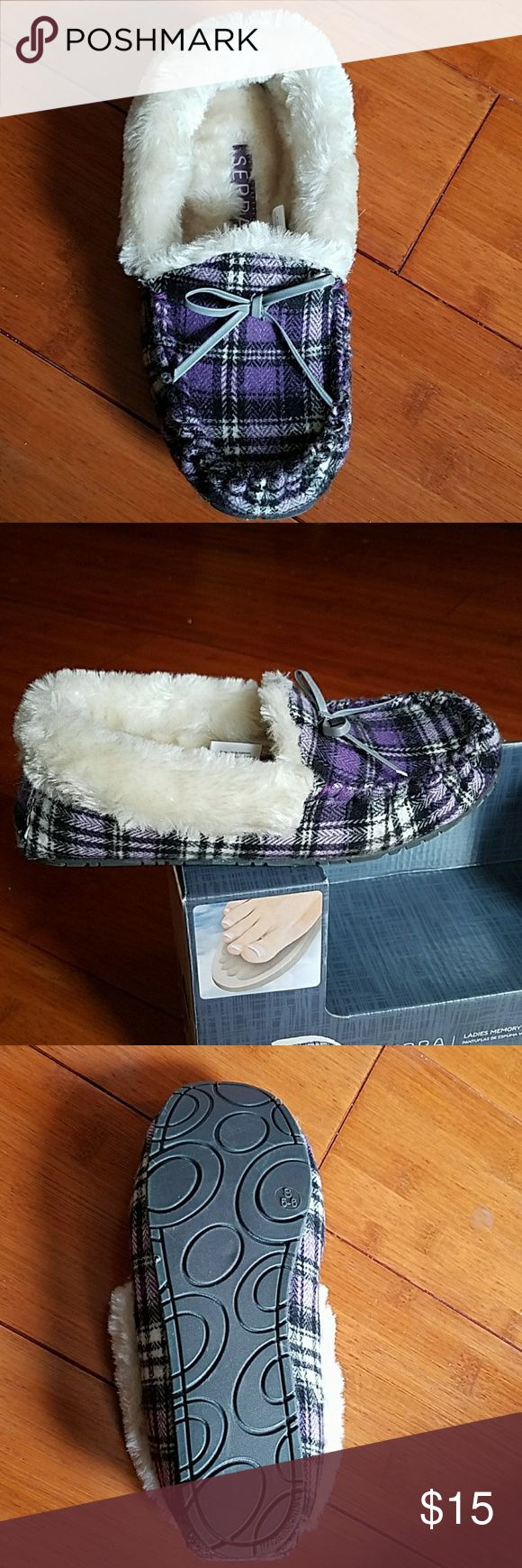 NIB-SERRA MOCCASIN SLIPPERS PURPLE/BLK/WHT PLAID NEW IN THE BOX LADIES SERRA MOCCASIN MEMORY FOAM SLIPPERS. PURPLE/BLK/WHT PLAID.  SIZE SMALL-5/6 Serra Shoes Slippers