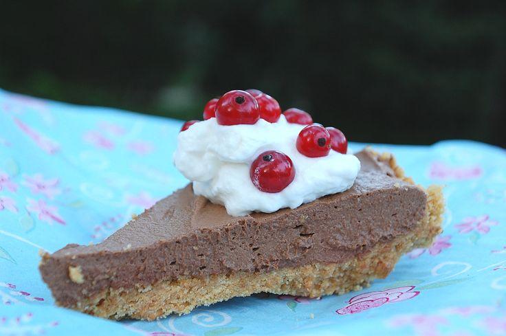 Csokis keksztorta sütés nélkül sütemény recept képpel, pontos hozzávalókkal és elkészítési leírással. Kipróbált Összes, Sütés nélkül recept, biztos siker.