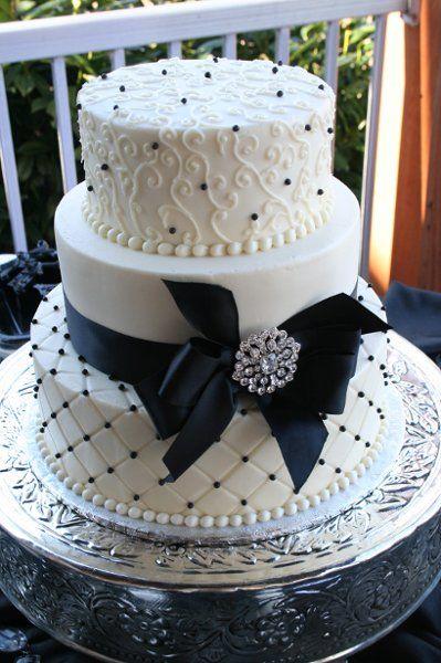Best 25+ Navy wedding cakes ideas on Pinterest | Navy blue wedding ...