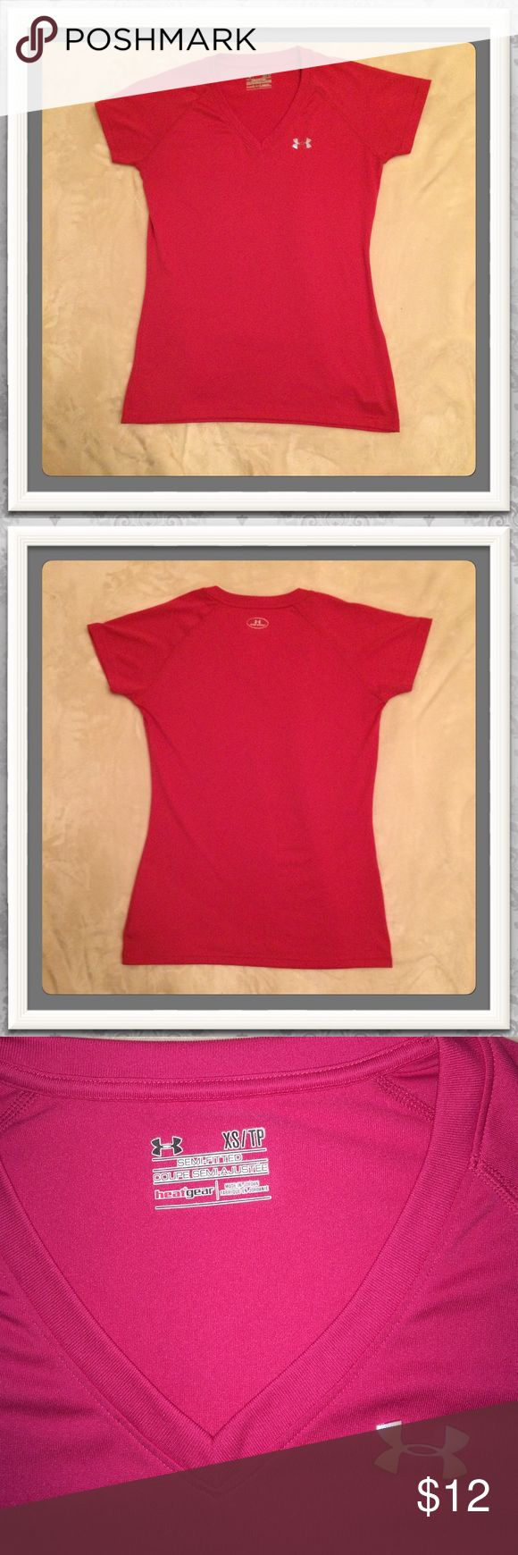 Women's Under Armour Tech Tee Under Armour Tech Tee. Size xsmall/small Good condition! Great for the gym & stylish enough to wear out as well! Free U.A headband of your choice while supplies last! Please see listing in my closet ☺️ ✨ Special Repeat Customer Discount Available!!! ✨ Under Armour Tops Tees - Short Sleeve