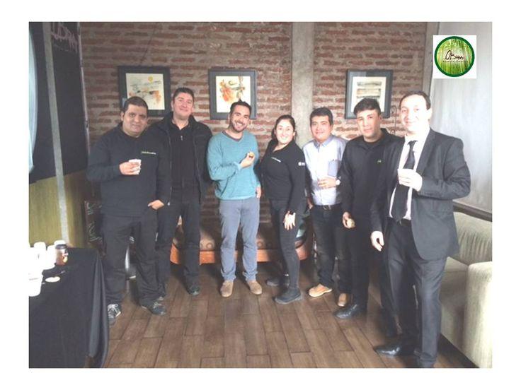 Hoy con nosotros APPLE CHILE capacitando a sus vendedores de Falabella. 22.06