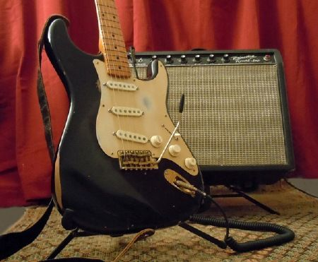 Black Stratocaster Gold Pickguard Guitars Pinterest