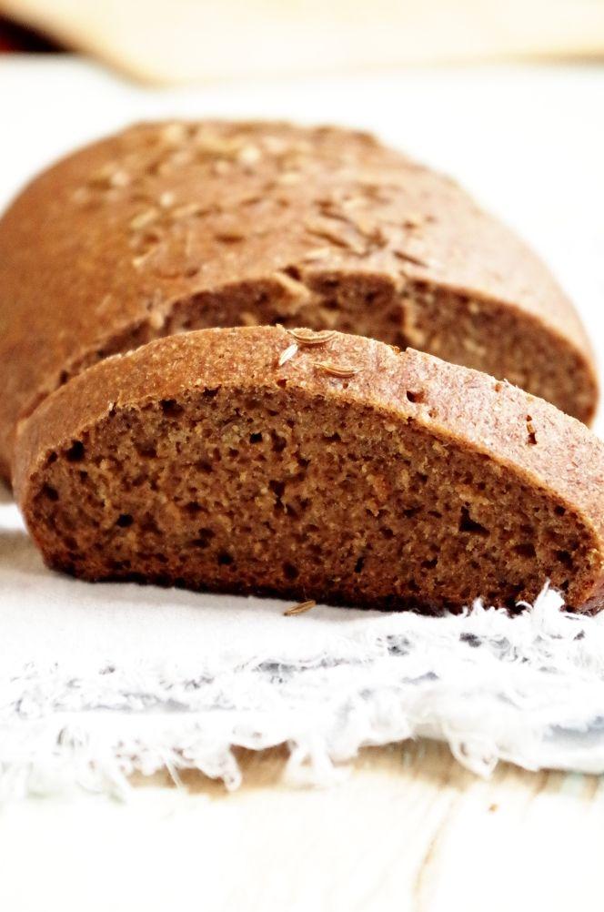 Не смогла пройти мимо этого хлеба, удивительный представитель семейства ржаных заварных, очень вкусный и очень необычный, потому что по рецепту заваривается просто огромное количество муки — почти половина!