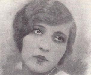 Suzan Lütfullah Sururi--İlk profesyonel Müslüman operet primadonnasıdır.