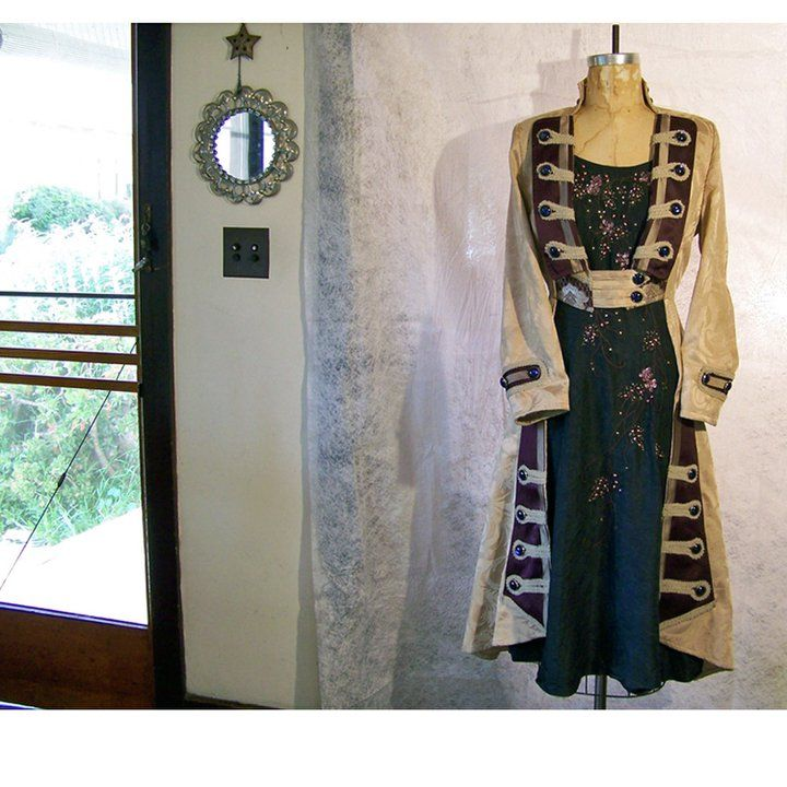 Kristi SmartFantasy Fashion, Gothic Design, Costumes Inspiration, Heavy Iii, Coats Dresses, Character Outfit, Steampunk Kimonos, Kristy Smart, Steampunk Clothing