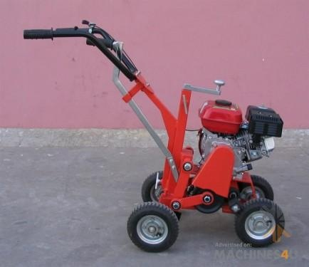 G T Tools Self Propelled 6.5HP Turf Cutter / Sod Cutter - http://www.machines4u.com.au/browse/Farm-Machinery/Garden-Lawn-Turf-140/Lawn-Turf-Equipment-1074/