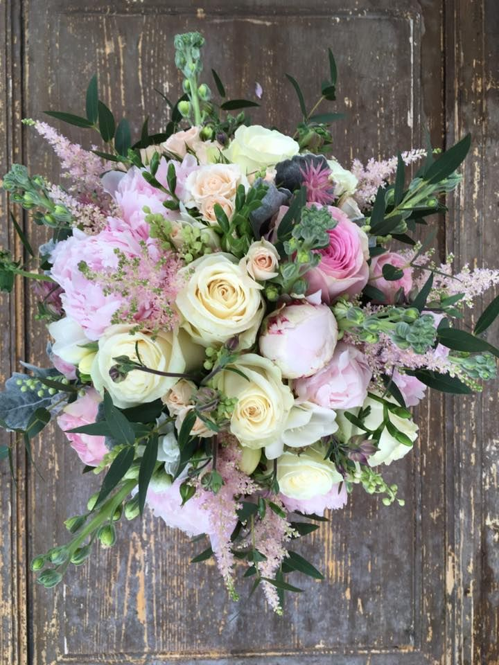 www.toneintone.eu Pink Wedding Bouquet