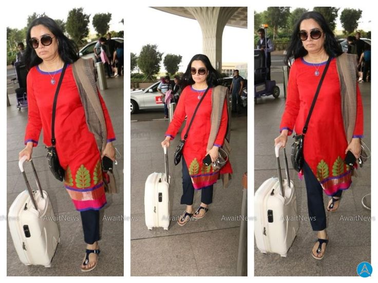 Padmini Kolhapure Spotted At Airport