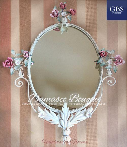 Damasco Bouquet. Romantic mirror. Specchiera ovale. Rose e Fiori Fragola. Ferro battuto e decorato a mano. Tempera. Su misura. Handmade in Florence. GBS. All rights reserved