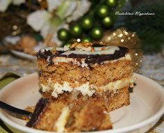 Zdecydowanie jedno z lepszych ciast, jakie do tej pory pojawiły się na blogu! Kruche, miodowe blaty ciastaidealnie łączą się z delikat...