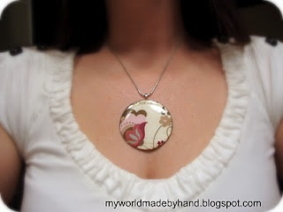 Make your own craft paper pendants