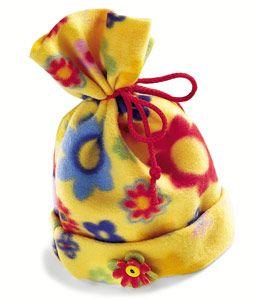 Fleece Hat: Fleece Hats Patterns, Crafts Ideas, Hats Tutorials, Fleece Patterns, Fleece Hat Pattern, Hat Patterns, Easy Fleece, Hats Crafts, Winter Craft