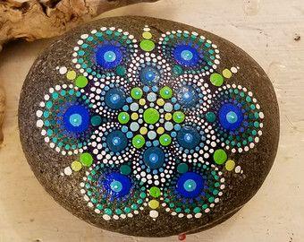Dipinti Rock arte sulla pietra dipinto a di P4MirandaPitrone