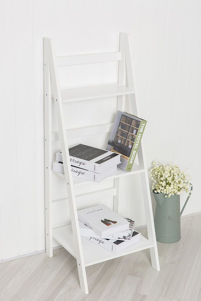 Add a contemporary touch to your home decor with this white ladder shelf. With a modern design it's a perfectly on trend, fashionable storage solution for the home. The shelf can be placed anywhere in the home and is great for creating a display of your favourite bits and pieces. | eBay!