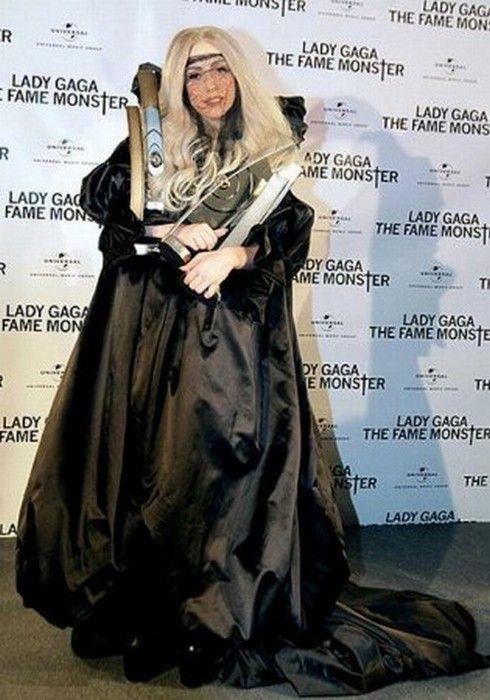 Самые сумасшедшие наряды Lady Gaga