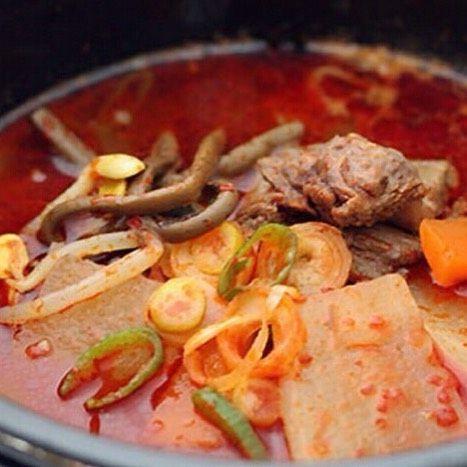 こんにちは! 表参道 韓国料理 COSARI TOKYOです(#^.^#) . . 食欲のない時にも、スープはオススメです! . ピリ辛の具だくさんのスープは 食欲がない時でも サラサラっと召し上がって頂けます(#^.^#) . .  #表参道 #韓国料理 #コリアン #ランチ個室 #女子会 #韓国料理 #サムギョプサル #姉妹店 #肉フェス #女子会 #個室焼肉 #隠れ家 #マッコリ #新大久保 #チーズダッカルビ #韓国 #韓国旅行 #肉 #飲み放題 #カクテル #コラーゲン #ヘルシー #チヂミ #石焼ビビンパ