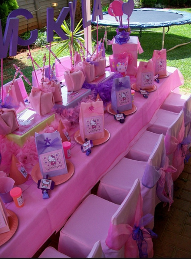 hello kitty table decor birthday party pinterest