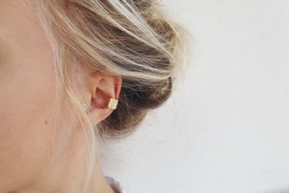 Oro martellato Ear Cuff Earcuff oro solido di WildFawnJewellery
