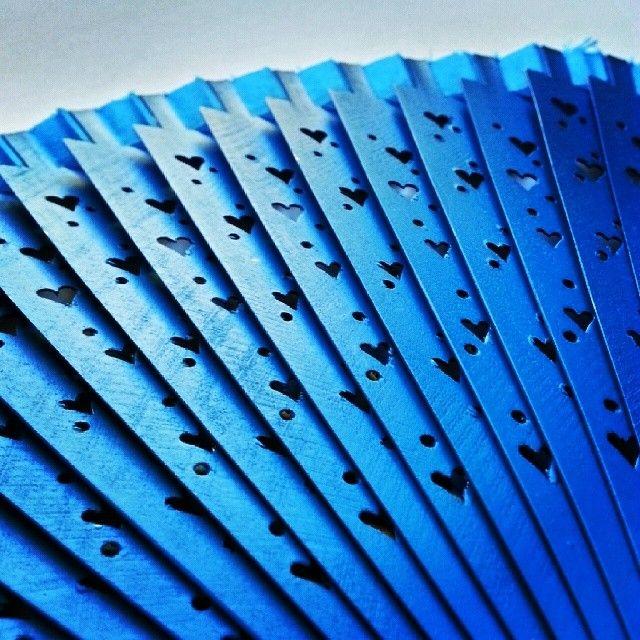 Llega la caló #abanico #azul  http://instagram.com/californisima