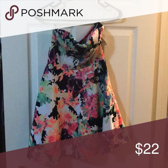 NWT Charlotte Russe strapless skater dress NWT floral print skater dress. Has tulle under the skirt. Charlotte Russe Dresses Strapless