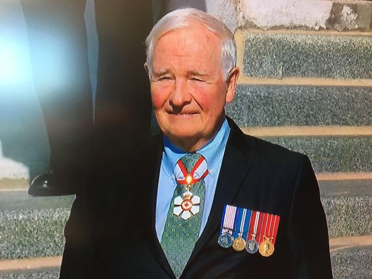 "David Akin on Twitter: ""David Johnston reviews the troops one last time. https://t.co/Y77CIwTz8V"""