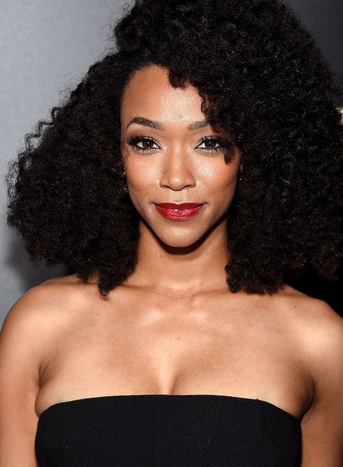 Sonequa Martin-Green attends AMC's 'The Walking Dead' Season 6 Fan Premiere Event at Madison Square Garden on October 9, 2015