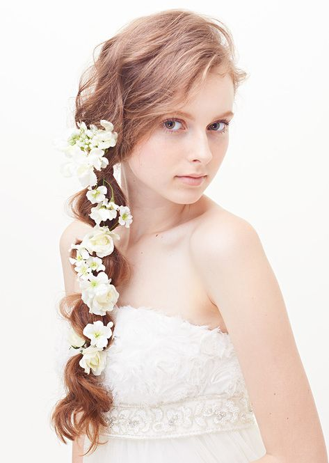 Aライン・プリンセスドレスに似合うラプンツェルの髪型参考♡