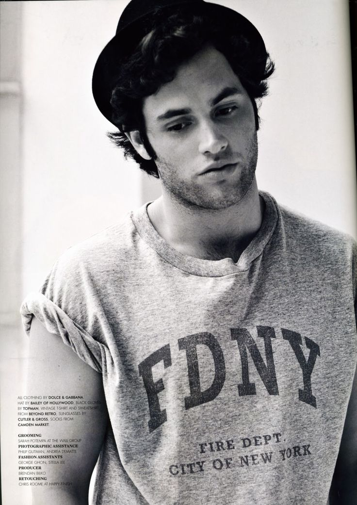 Penn Badgley I fight trying to think that he's pretty because as soon as I think that I'm scared i'll want lonely boy to be with queen B.