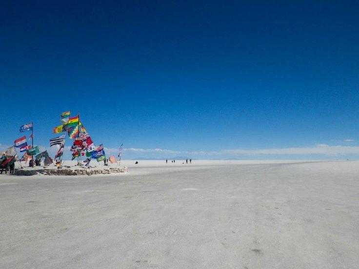 #salaruyuni #salar #uyuni #flag #rurrenabaque #bolivia #Latinomerica #sudamerica #travel #world #photography