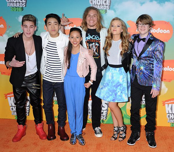 Breanna YDE & the cast of School of Rock attends the Kids' Choice Awards!