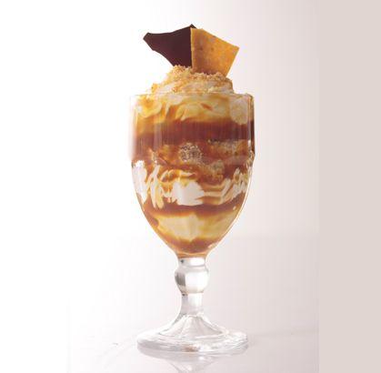 """Jueves de antojo... disfruta hoy de una deliciosa """"COPA VERONICA"""" de la #reposteriaastor www.elastor.com.co"""