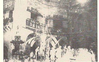 """La Mangrana llega al cadafal en la """"Prova de l'àngel"""" #MisteridElx Foto: Pedro Ibarra (10-8-1901)"""