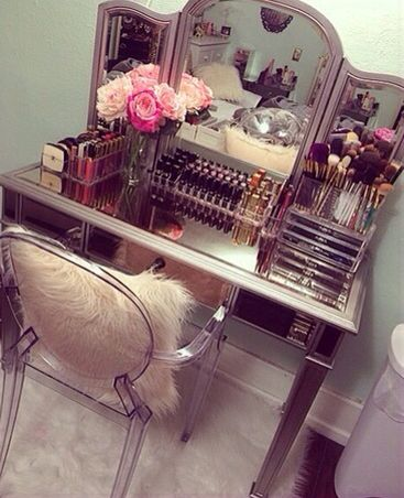 Vanity Ideas for Teen Bedroom. 22 best glam room images on Pinterest   Makeup  Acrylic makeup